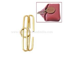 Compra barato juego de eslabones oro para hacer monederos. Vendemos fornituras para bolsos y marroquineria al por mayor.